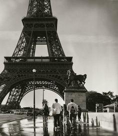 Locals.  Paris, France Paris France, Travel Photography, Louvre, Tower, Nyc, London, Building, Rook, Big Ben London