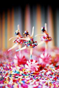 Tiny dancers!