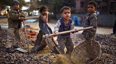 Policía india rescata a cientos de niños esclavizados - http://notimundo.com.mx/mundo/policia-india-rescata-a-cientos-de-ninos-esclavizados/28862