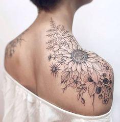 Nice Sleeve Tattoos For Women Popular Collections Shoulder Sleeve Tattoos, Quarter Sleeve Tattoos, Tattoos For Women Half Sleeve, Flower Tattoo Shoulder, Full Sleeve Tattoos, Feminine Shoulder Tattoos, Tattoo Sleeve Designs, Sunflower Tattoo On Shoulder, Feminine Sleeve Tattoos