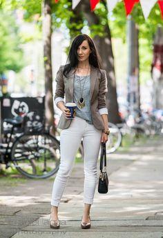 Here we go again : weiße Jeans und Blazer