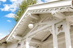 FINN – Strømsfoss - Idyllisk og romantisk gårdsbruk med historisk sus. Godt bevarte bygninger i vakre omgivelser!