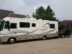 2002 Georgetown 303 for sale by owner on RV Registry. http://www.rvregistry.com/used-rv/1007786.htm