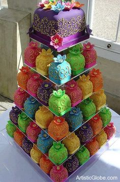 Wedding cake, no need to cut   Creative World