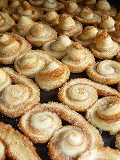 Orejitas (Sugar and cinnamon cookies)