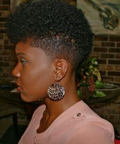 Seven key principles to healthy hair that are now the key concepts for achieving and maintaining beautiful and healthy natural hair. Tapered Natural Hair, Natural Short Hairstyles For Black Women Tapered Twa, Tapered Twa Hairstyles, Tapered Haircut For Women, Guy Hairstyles, Amazing Hairstyles, Hairstyles Pictures, Natural Curls, Black Hairstyles