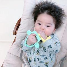 Dad Baby, Cute Baby Boy, Cute Little Baby, Mom And Baby, Cute Kids, Baby Kids, Cute Asian Babies, Korean Babies, Asian Kids
