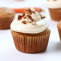 These tender cupcakes are loaded with spice and freshly grated carrots. Topped with the fluffiest cream cheese frosting ever! The post Carrot Cake Cupcakes appeared first on Orchid Dessert. Carrot Cupcake Recipe, Carrot Cake Cupcakes, Cupcake Cakes, Cupcake Ideas, Root Beer Cupcakes, Andes Mint Cupcakes, Snicker Cupcakes, Sweet Potato Cupcakes, Gold Cupcakes