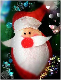 POIANA CU GAZUTZE: Ornament fetru #fetru #handmade #craciun #cadou #moscraciun #jucarie #coronita #mosnicolae #sarbatori #decoratiuni #ornamente #felt #christmas #ornaments #decorations #toys #christmastree #santa #gift Felt Christmas, Christmas Ornaments, Coron, Santa, Decorations, Toys, Holiday Decor, Handmade, Gifts
