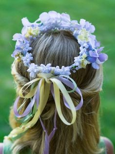How to make a Flower Girl Hair Wreath