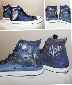Harry Potter Converse, Harry Potter Shoes, Harry Potter Merchandise, Harry Potter Style, Harry Potter Outfits, Harry Potter Fandom, Harry Potter World, Converse All Star, Converse Shoes