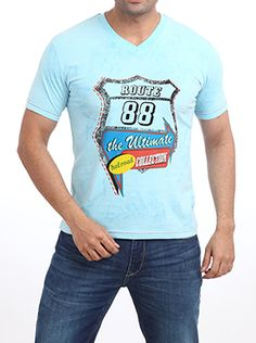 You will never go wrong with this light blue Parx Jeans Men Blue T-shirt on a weekend outing with your friends. This Parx - Casual Wear Light Blue T-shirt goes best with denims. The graphic on front will add a dash of boyhood to your look. Pair it up with a sports watch and dark blue sneakers and you are ready to hit the road. This 100% cotton casual slim shirt will keep you cool on a summer day out. Casual T Shirts, Casual Wear, Dark Blue, Light Blue, Blue Sneakers, Summer Days, Slim, Watch, Friends