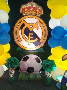 El Real Madrid  Club de Fútbol, mejor conocido como Real Madrid fue la temática seleccionada por Diego para celebrar su cumpleaños. Toda la ...