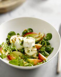 11 mei Salade met geitenkaas en appel(eigen versie:spinazie, appel, walnoten, overschot kipfilet, geitenkaas met honig onder de grill, dressing: tosc.kruidenolijf, kersenazijn, tosc. Kruiden. Toppertje!