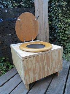 Creating Effective and Practical Composting Toilets Thunder box, the oval office, dunny, The Crapper........ : )))