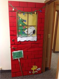 New office door decorations christmas bulletin boards 25 ideas Christmas Door Decorating Contest, School Door Decorations, Office Christmas Decorations, Charlie Brown Christmas Decorations, Peanuts Christmas, Noel Christmas, Christmas Humor, Christmas Crafts, Christmas Ideas