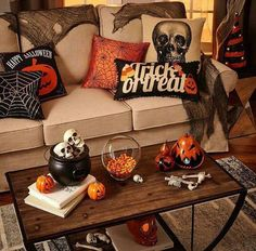 48 Wonderful Diy Halloween Living Room Decoration Ideas Cute Candy Display First you can start with an easy to make holiday display. Living Room Halloween Decor, Halloween Kitchen Decor, Casa Halloween, Halloween Mantel, Halloween Tags, Diy Halloween Decorations, Fall Home Decor, Autumn Home, Halloween Crafts