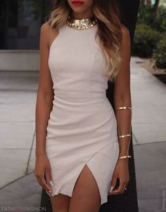 Nude dress with golden jewelry and red lips. I'm speechless. This is perfection!