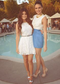 kylie and kendall. love there outfits