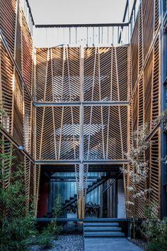 Housing Courtyard Wood Arquitectos: Pablo Dellatorre Ubicación: Montevideo 951, Córdoba, Córdoba Province, Argentina, Argentina Autores Asociados : Mar Pattochi Área: 42.0 m2 Año Proyecto: 2010 Fotografías: Gonzalo Viramonte