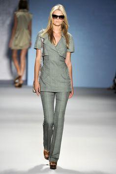 Derek Lam Spring 2011 Ready-to-Wear Collection Photos - Vogue
