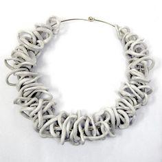 collana realizzata a mano, ceramica,  http://www.mioetuo.eu/