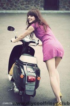 Vespa Scooters, Motos Vespa, Lambretta Scooter, Scooter Motorcycle, Motor Scooters, Vespa Girl, Scooter Girl, Lady Biker, Biker Girl