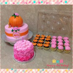 Pink Pumpkin Birthday cake, smash cake & cupcakes Pumpkin Birthday Cakes, Pink Pumpkin Party, Pumpkin Patch Birthday, Pumpkin Patch Party, Pumpkin Birthday Parties, Pumpkin First Birthday, Baby Girl First Birthday, Birthday Cake Smash, Pink Birthday