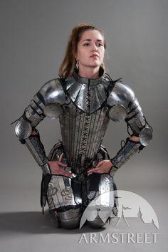 Armure étonnante fantastique gravée pour dame guerrière à vendre chez ArmStreet