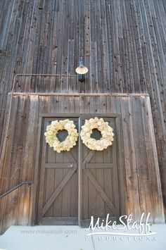 Believe it or not, a barn may be the perfect reception venue for your rustic country wedding!