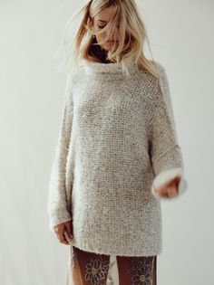 The chunky knit sweater. Something ab out that sounds sort of weird right? Chunky knit. Is it just me? … View Post