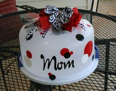 Personalized Cake Carrier  For MOM by TheJemZyBoutique on Etsy, $24.00