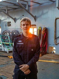 Apprentice on KV Bison. Norway's coast guard. Norwegian People, Norwegian Air, Exclusive Economic Zone, Navy Coast Guard, Schengen Area, Coast Guard Stations, Environmental Research, Fishing Vessel, Rear Admiral