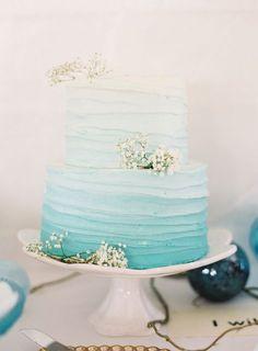 13 Ocean Wedding Cakes Simple Photo - Blue Beach Themed Wedding Cake, Starfish Beach Theme Wedding Cakes and Beach Wedding Cake Ideas Beach Cakes, Beach Theme Cakes, Buttercream Wedding Cake, Buttercream Frosting, Blue Cakes, Before Wedding, Cool Wedding Cakes, Beach Themed Wedding Cakes, Wedding Cupcakes