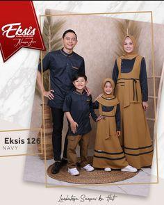 Muslim Fashion, Hijab Fashion, Fashion Dresses, Baju Couple Muslim, Muslim Family, Casual Hijab Outfit, Couple Outfits, Baby Dress, Crochet Baby