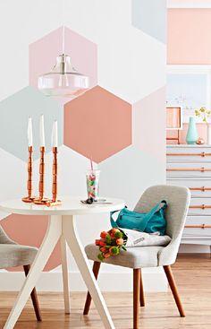 sechseck-wandmuster-ideen-fuer-eine-tolle-wandgestaltung-mit-pastellfarben-in-der-kueche