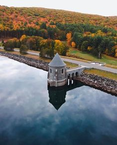 Fall In Connecticut, New England Day Trips, Litchfield County, Autumn Photography, Beautiful Places To Visit, Weekend Trips, Places Around The World, Dream Vacations, Places To Go