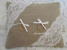 Cuscino porta fedi in lino naturale e pizzo di ♥ La casa di Gaia ♥ su DaWanda.com