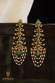 Nature inspired Precious Gold, Emeralds, Diamonds & Pearl Earrings, by ARNAV-Jewellery from the Heart. Gold Jhumka Earrings, Indian Jewelry Earrings, Fancy Jewellery, Pearl And Diamond Earrings, Jewelry Design Earrings, Gold Earrings Designs, Gold Jewellery Design, Designer Earrings, Necklace Designs