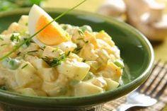 Wielkanocna sałatka jajeczna z pieczarkami