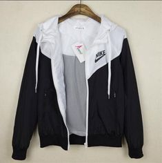 jacket nike black and white sexy workout clothes nike windbreaker cute sweater blouse black white tu Sexy Workout Clothes, Workout Shoes, Fall Outfits, Casual Outfits, Cute Nike Outfits, Nike Outfits Tumblr, Casual Shirt, Gym Outfits, School Outfits