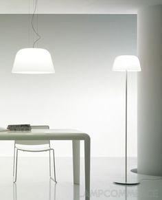 Stehlampe in weiß