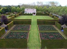 Trott's Garden in Ashburton, Mid Canterbury, New Zealand. From www.gardenvisit.com.