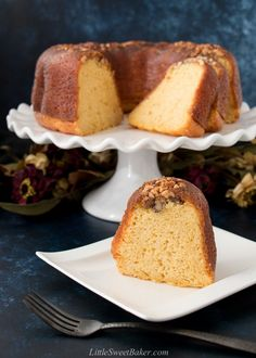 This Bacardi rum cake is famous for it's flavor and supreme moistness. Easy to make and popular since the for a reason. Beer Recipes, Cake Recipes, Dessert Recipes, Desserts, Toffee, Jamaican Ginger Beer Recipe, Bacardi Rum Cake, Tortuga Rum Cake, Limoncello Recipe