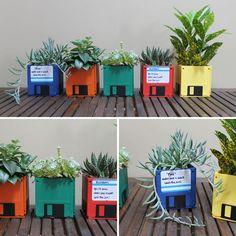 DIY Floppy Disk Planters - My next projects - Color Photos DIY Floppy Disk Planters Floppy Disk, Diy Planters, Garden Planters, Succulent Planters, Garden Art, Recycled Planters, Decorative Planters, Garden Design, Diy Birthday