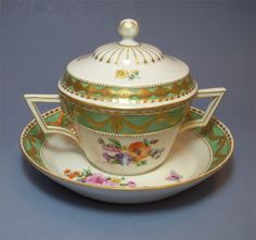 KMP Berlin  (Germany) — Chocolate Cup Saucer and Lid,c.1900-1920  (1000×940)