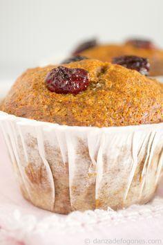Muffins veganos de espelta Cupcakes, Camembert Cheese, Gluten Free, Pudding, Baking, Healthy, Sweet, Desserts, Food