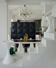 This place reminds me of our Paris Apartment...minus the rude Landlord | Renee Manier | Interior Design...et al