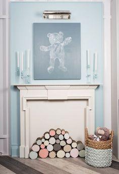 Saviez-vous que le nouveau centre de couleurs @cilpaints offert en exclusivité chez Home Dépôt est le meilleur endroit pour trouver de l'inspiration pour vos projets de peinture. Un exemple : ce DIY de tableau créé en imprimant de peinture sur un ours en peluche #RealisezVosRevesCIL
