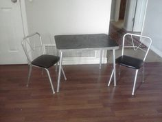 Table and chairs ....before....
